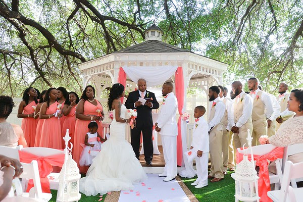 Jupiter Gardens Event Center Offers An Intimate Romantic Courtyard Garden For The Most Beautiful Outdoor Wedding Venue In Dallas